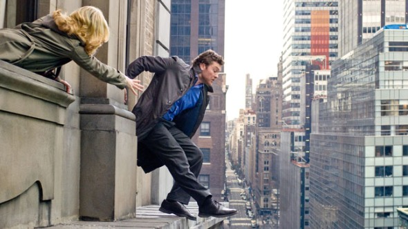 MAN ON A LEDGE - SAM WORTHINGTON and ELIZABETH BANKS